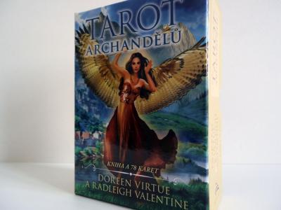 Tarot archandělů – mezi tarotem a andělskými kartami